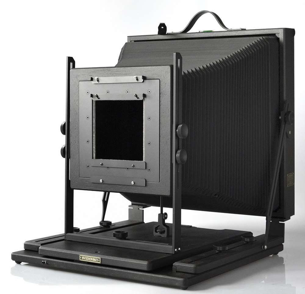 Svedovsky 11x14 camera, black finish, 203x203mm to 132x132mm reducing lens board