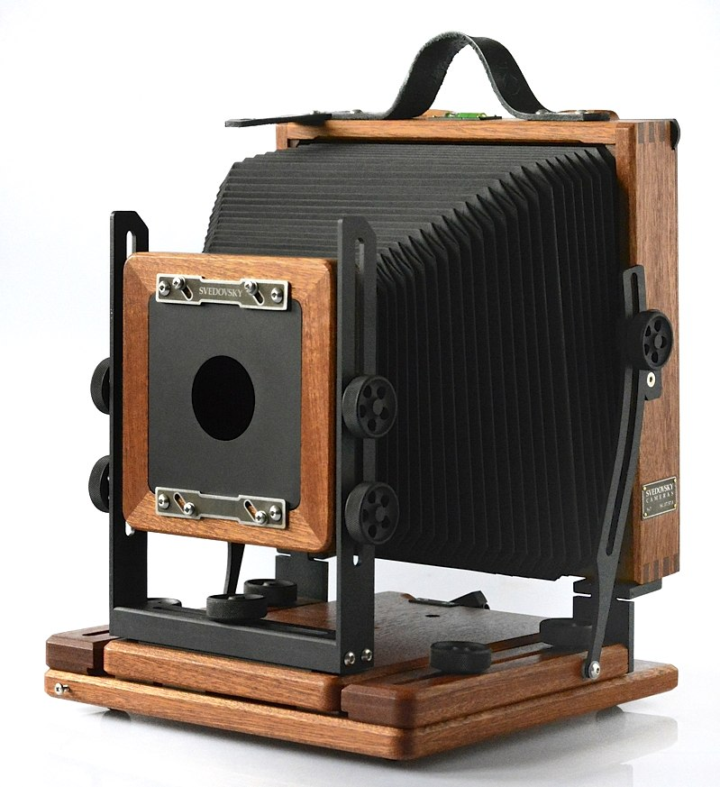 Svedovsky 5x7 camera, natural mahogany wood